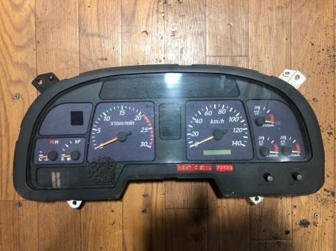 中古トラック部品 いすゞ 大型車 スピードメーター